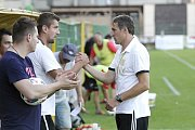 Fotbalisté z Olomouce Holice (v bílém). Ilustrační foto