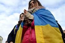 Studenti na demonstraci v centru ukrajinského Lvova, 20. února 2014