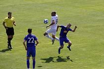Fotbalisté Sigmy B (v modrém) prohráli s Frýdkem-Místkem 0:2.