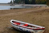 Vypouštěná Plumlovská přehrada
