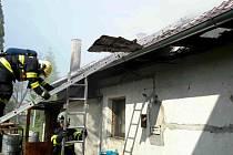 Požár střechy rodinného domku v Července