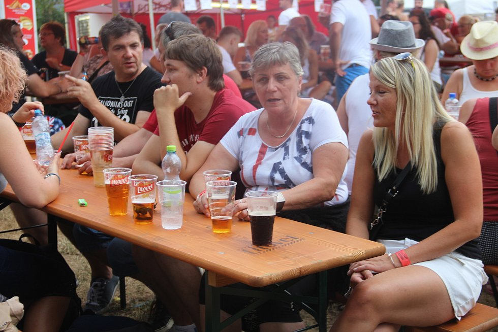 Patnáctý ročník letního hudebního festivalu Šternberský kopec.