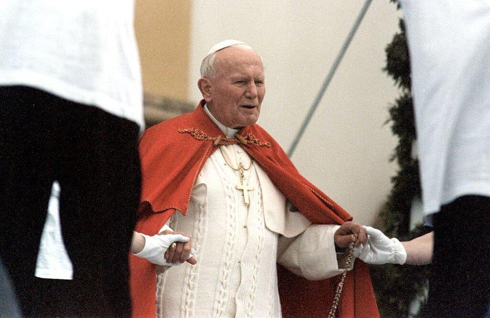 Papež Jan Pavel II. na setkání s mládeží na Svatém Kopečku