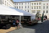 Fotbalový stan na Horním náměstí v Olomouci je po vypadnutí našich reprezentantů poloprázdný.