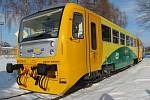 Vlak Regionova v původní žlutozelené úpravě