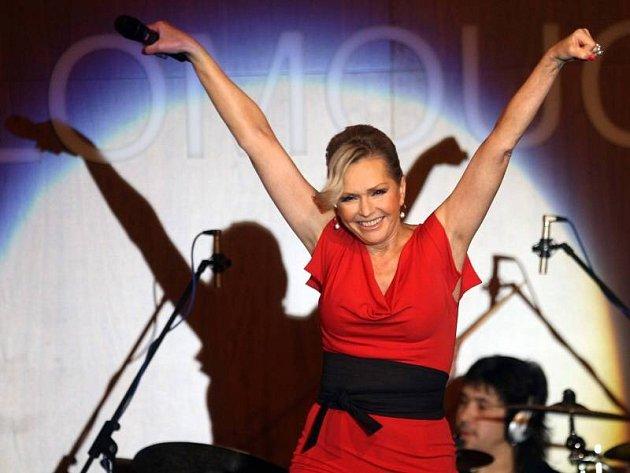 Koncert Heleny Vondráčkové v olomouckém NH hotelu