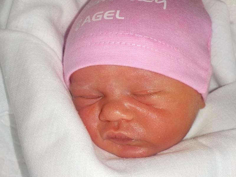 Ellen Machalová, Březsko, narozena 26. září 2021 v Prostějově, míra 49 cm, váha 3400 g