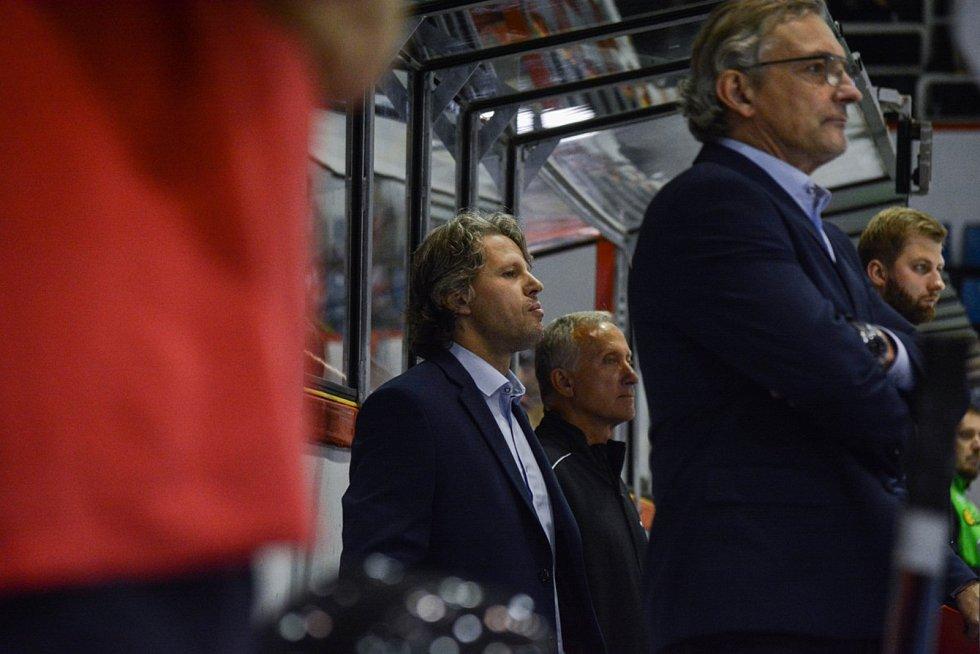 Trenéři HC Olomouc se hodili do gala. Na snímku Jan Tomajko.