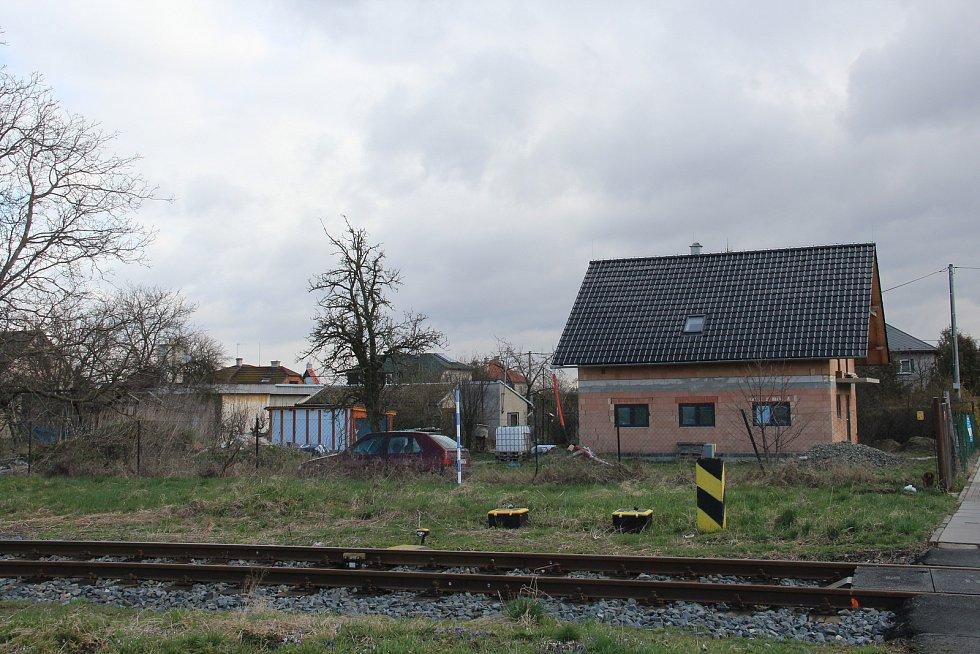Lidé žijící v okolí nádraží v Drahanovicích si dlouhodobě stěžují na hluk z odstavených vlaků Stadler