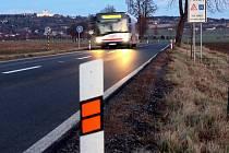 Silnice mezi Chválkovicemi a Samotiškami. Ilustrační foto