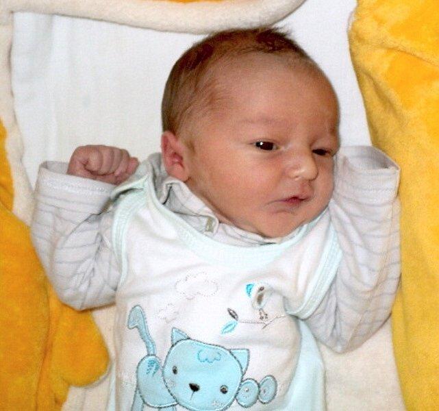 Lukáš Ševčík, Horka nad Moravou, narozen 3. června ve Šternberku, míra 49 cm, váha 3400 g