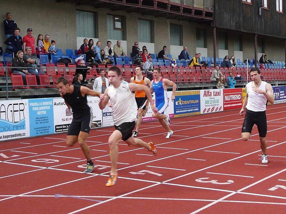 Maslák ve 4. dráze v běhu na 100 metrů
