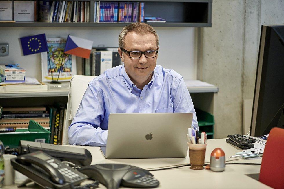 Ředitel Ústavu molekulární a translační medicíny Lékařské fakulty UP a národní koordinátor testování Marián Hajdúch.