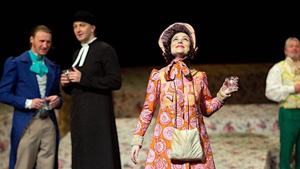 Hra podle Jane Austenové Emma vpodání Moravského divadla Olomouc