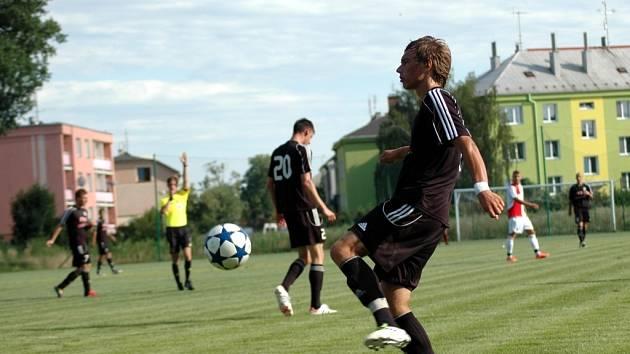 1. HFK Olomouc (v černém)