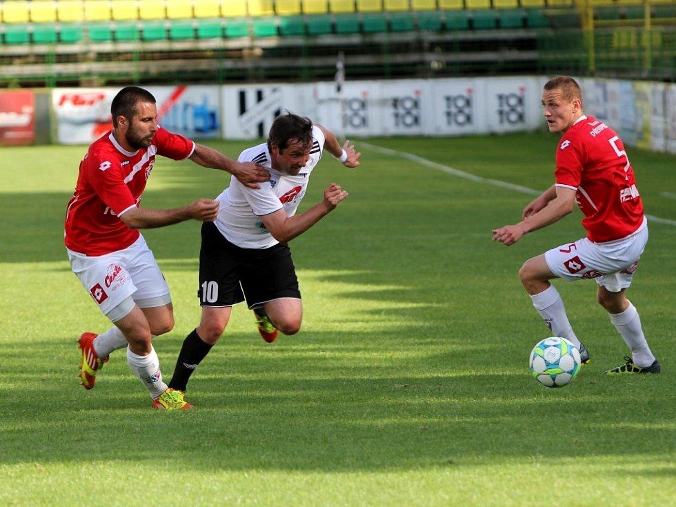 David Kobylík (uprostřed)