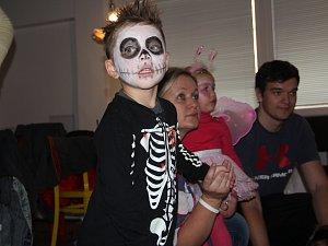 Dušičkový karneval ve Zdravé pecce