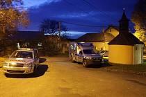 Policie vyšetřuje Lhotě pod Kosířem úmrtí s cizím zaviněním
