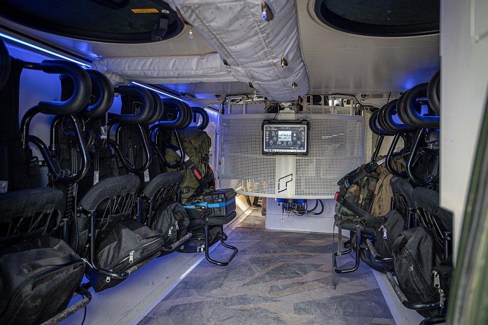 Interiér obrněnce Lynx KF41 na mediálním dnu při testování bojových vozidel pěchoty (BVP) z tendru pro českou armádu ve vojenském prostoru Libavá, 27. května 2021.