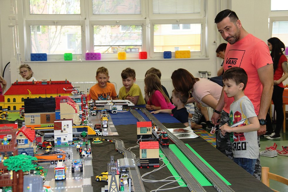 Interaktivní výstava lega Kostkování v areálu Střední polytechnické školy v Olomouci