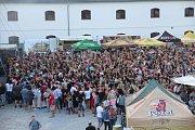 Od čtvrtku až do sobotní noci zaplnil Korunní pevnůstku největší pivní festival v republice.