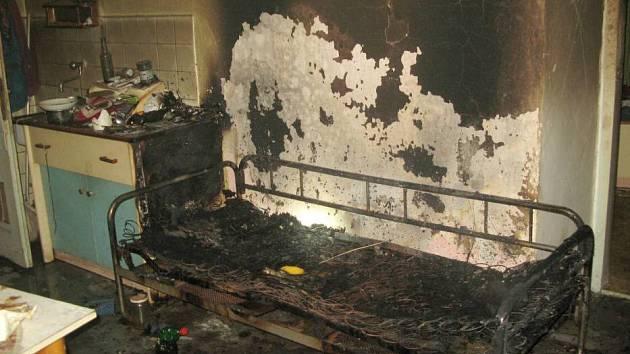 Požár bytu v Dlouhé Loučce
