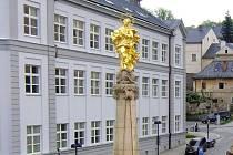 Budova gymnázia ve Šternberku. Ilustrační foto