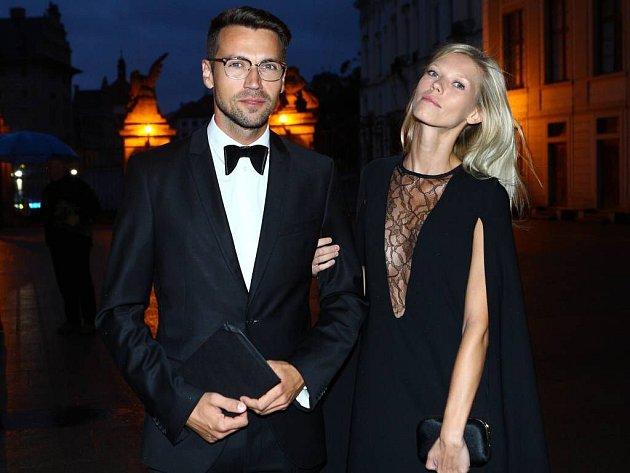 Lukáš Hejlík s přítelkyní