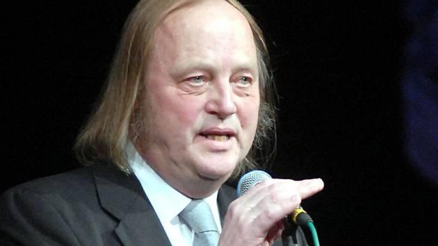 Sbormistr Jiří Klimeš při přebírání Ceny Olomouckého kraje za přínos v oblasti kultury v roce 2007