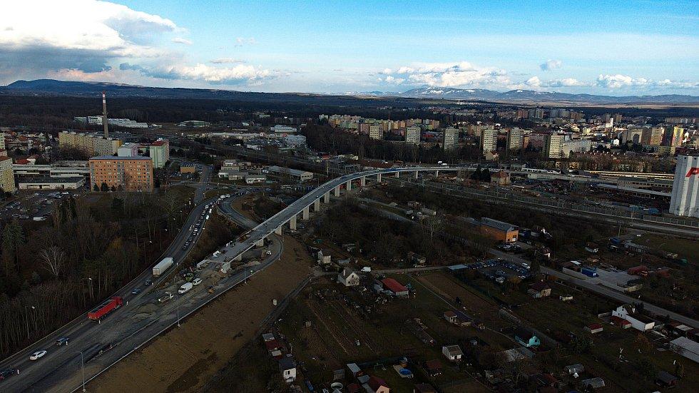 Přerov - práce na stavbě estakády a mimoúrovňového křížení v Předmostí, březen 2021