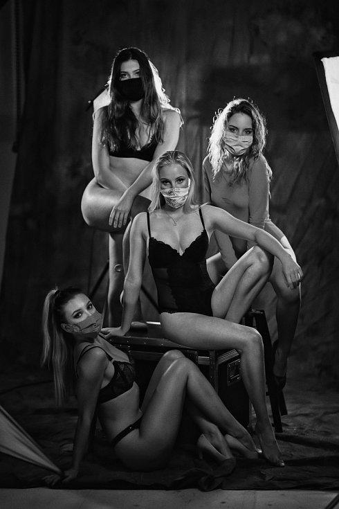 Sexy pexeso olomouckého fotografa Lukáše Navary
