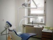 Budoucí zubaři se v Olomouci připravují na praxi pomocí špičkové stomatologické techniky