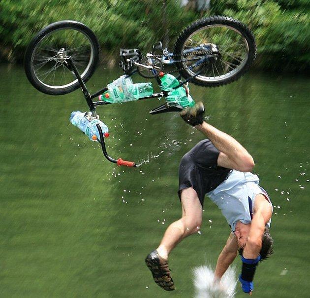 Bike and Water - skoky do vody vlomu uLipiny