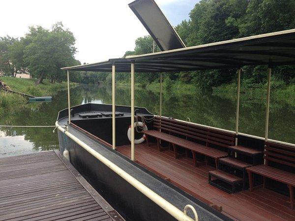 Ololoď - motorové výletní plavidlo bude vozit turisty imístní po řece Moravě vOlomouci