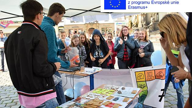 Svůj projekt o věrozvěstech Cyrilovi a Metodějovi propagovalo Gymnázium Čajkovského na akci Erasmus Day