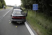 Policisté našli po vloupačce na benzince auto odstavené u obce Krahulčí