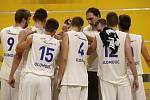 Tým Basketbal Olomouc (v bílém) porazil v zápase první ligy Opavu B 103:87.