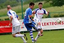 FC Dolany (v bílém) vs. Tatran Litovel