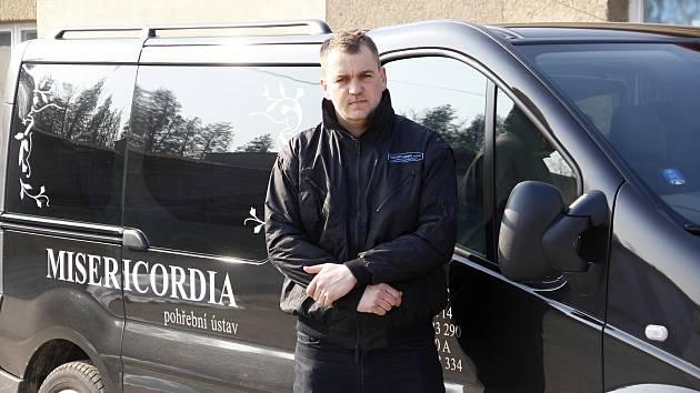 Brankář Nových Sadů Jiří Zbořil pracuje u pohřební služby.