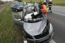 Tragická srážka tří aut u Chudobína na Litovelsku