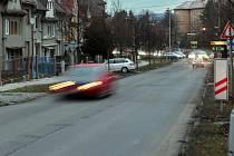 Erenburgova ulice spojuje olomouckou část Hejčín s městským průtahem a výpadovkou na Mohelnici