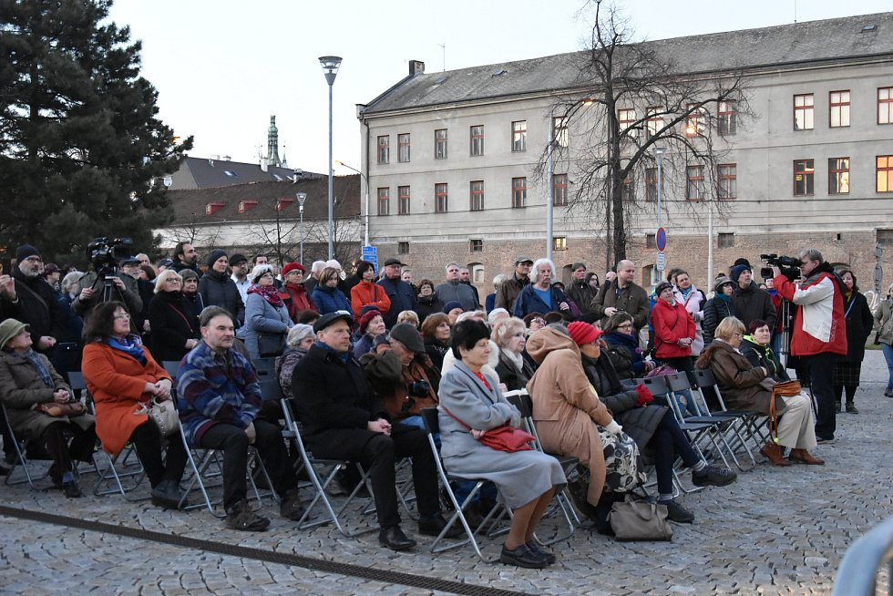 Vzpomínka na vypálenou synagogu v Olomouci