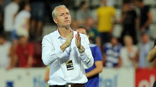 Trenér Sigmy Václav Jílek v utkání Sigmy se Sevillou na Andrově stadionu v Olomouci