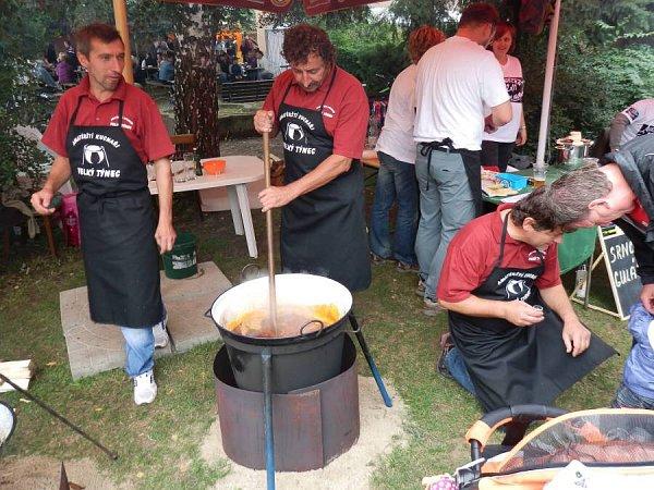 Gulášové a pivní slavnosti ve Velkém Týnci