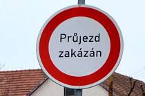Průjezd zakázán. Ilustrační foto