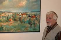 Josef Škubna u obrazu obce Břidličná, kde žije od padesátých let.