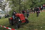 Jezdců se na startovní listině soutěže Traktor cup sešlo sedm. Už tradiční akce je součástí místních hodů.