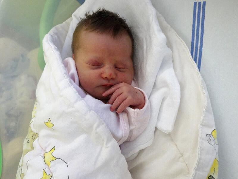 Sabina Skopalová, Štěpánov narozena 18. ledna míra 47 cm, váha 3260 g