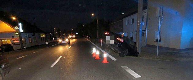 Vpátek odpoledne havaroval vDolanech na Olomoucku opilý cizinec