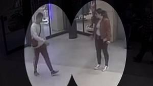 Kradli oděvy v olomouckém obchoďáku